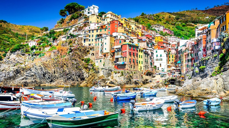Rent a Car Genoa | Travel from Genoa to Vernazza | Private Car from genoa to Manarola